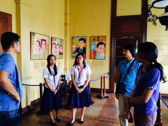 A small lecture on the life of Rizal.
