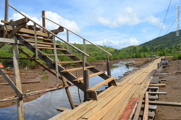 Wooden bridge from the port to the barangay proper