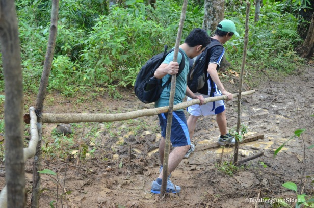 the muddy trail going to Talay Falls