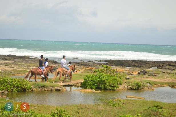 horseback riding along the beach of Burgos